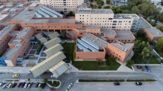 Κορωνοϊός: Θετικοί τρεις γιατροί στο «Αττικόν»