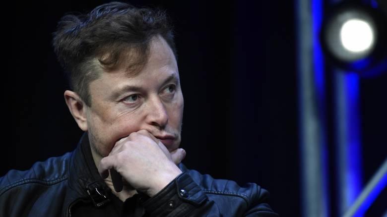 Tesla: «Βουτιά» 10,3% της μετοχής μετά από ένα tweet του ιδρυτή της