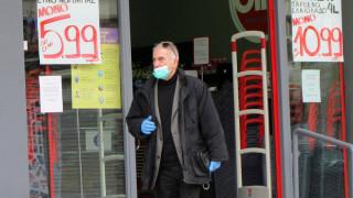 Πέτσας: Δεν θα είναι υποχρεωτικές οι μάσκες στο σούπερ μάρκετ για τους πελάτες