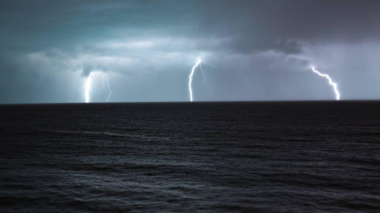 Έκτακτο δελτίο επιδείνωσης καιρού από την ΕΜΥ: Ισχυρές βροχές και χαλάζι