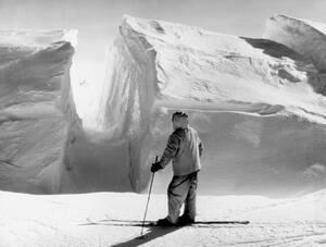 1941, Ανταρκτική.  Ο εξερευνητής Ράσελ Φρέιζιερ στη Δυτική Βάση της τρίτης εξερευνητικής αποστολής στην Ανταρκτική.