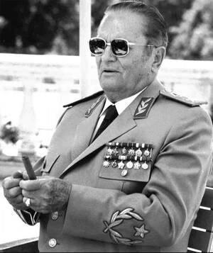 1980, Λιουμπλιάνα.  Πεθαίνει, μετά από καρδιακή προσβολή, ο Γιόζιπ Μπροζ Τίτο, κομμουνιστής επαναστάτης και πολιτικός ηγέτης και πρόεδρος της Γιουγκοσλαβίας.