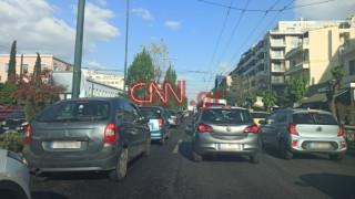 Άρση μέτρων: Αυξημένη η κίνηση στους δρόμους της Αθήνας