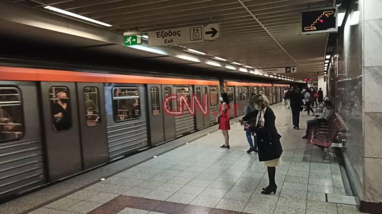 Άρση μέτρων: Νέα πραγματικότητα στα ΜΜΜ - Τηρούνται τα μέτρα στο μετρό