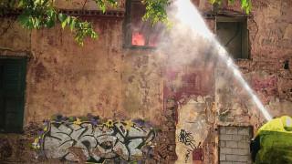 Υπό έλεγχο η φωτιά στη μονοκατοικία στην Πατησίων