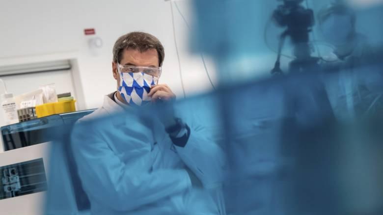 Κορωνοϊός: Συγκεντρώθηκαν 7,4 δισ. ευρώ στον μαραθώνιο της Κομισιόν για τη μάχη κατά του ιού