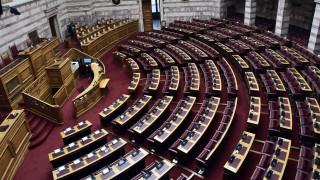 Αλλαγές Χατζηδάκη στο περιβαλλοντικό νομοσχέδιο - Έντονες αντιδράσεις από τα κόμματα