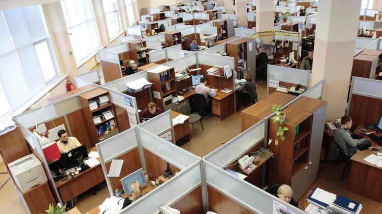 Η πανδημία στον εργασιακό χώρο: Επιστρέφει το γραφείο-κουβούκλιο;