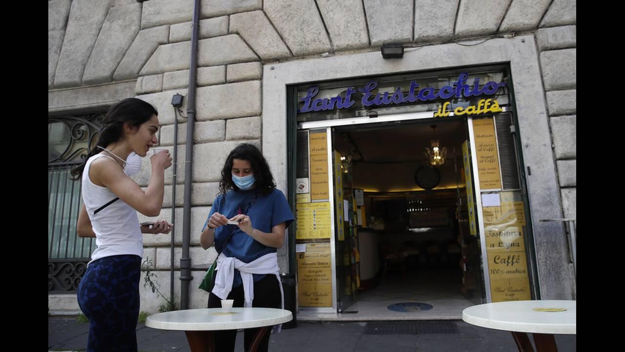 https://cdn.cnngreece.gr/media/news/2020/05/05/218180/photos/snapshot/italia-lockdown-1.jpg