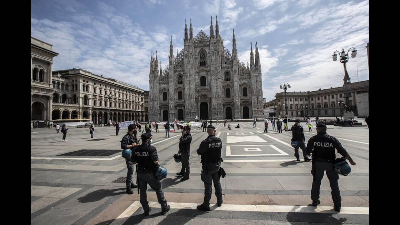 https://cdn.cnngreece.gr/media/news/2020/05/05/218180/photos/snapshot/italia-lockdown-8.jpg