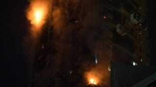 Μεγάλη φωτιά σε ουρανοξύστη 48 ορόφων στα Ηνωμένα Αραβικά Εμιράτα