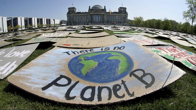 Έρευνα εκπέμπει SOS: Δισεκατομμύρια άνθρωποι ίσως ζουν σε συνθήκες ακραίας ζέστης έως το 2070