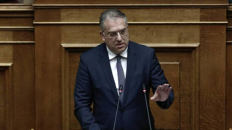 Θεοδωρικάκος: Άμεσα το νομοθετικό πλαίσιο για επιπλέον χώρο στην εστίαση