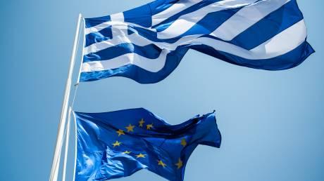 Εκτοξεύονται οι χρηματοδοτικές ανάγκες της Ελλάδας, αλλά η Κομισιόν μιλάει για βιώσιμο χρέος
