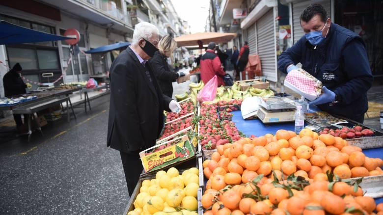 Μεταδίδεται ο κορωνοϊός από τα τρόφιμα; Ειδικός απαντά σε βασικά ερωτήματα για το φαγητό