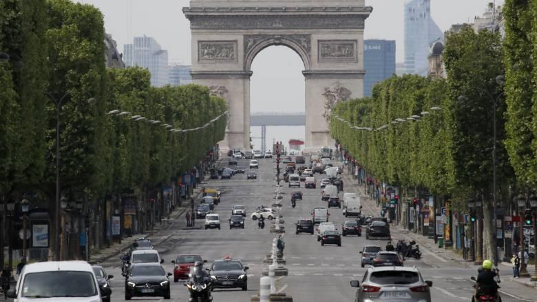 Κορωνοϊός - Γαλλία: Στις 11 Μαΐου η άρση του lockdown - Σε ισχύ περιορισμοί στο Παρίσι