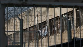 Ναρκωτικά, μαχαίρια και κινητά βρέθηκαν σε έλεγχο στις φυλακές Κορυδαλλού