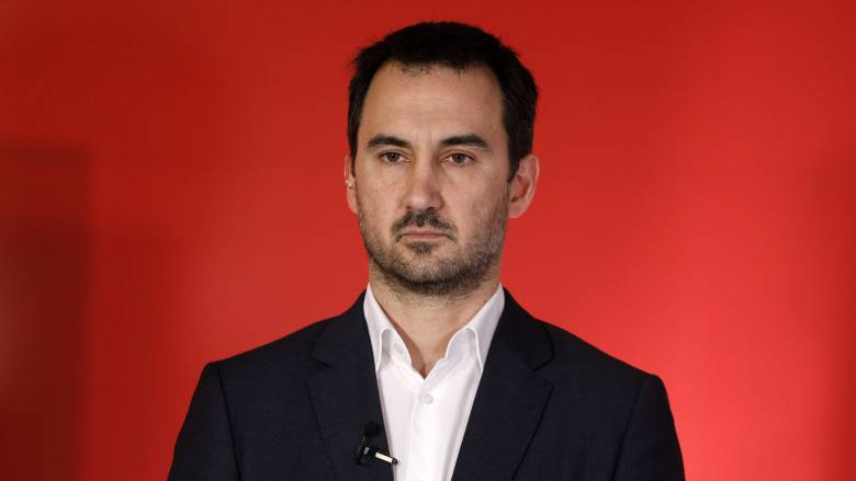 Χαρίτσης κατά ΕΣΡ: Να παραιτηθεί ο κ. Κουτρομάνος αν δεν μπορεί να ασκήσει τα καθήκοντά του
