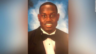 ΗΠΑ: Οργή για τη δολοφονία 25χρονου μαύρου άνδρα από πατέρα και γιο
