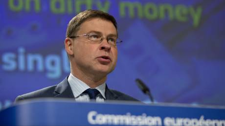 Ντομπρόβσκις: Η Ελλάδα δεν θα χρειαστεί νέο πρόγραμμα στήριξης - Θα ξαναδούμε τα πλεονάσματα