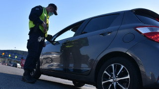 Δύο επιβάτες μπορούν να επιβιβάζονται σε ταξί και Ι.Χ. από σήμερα