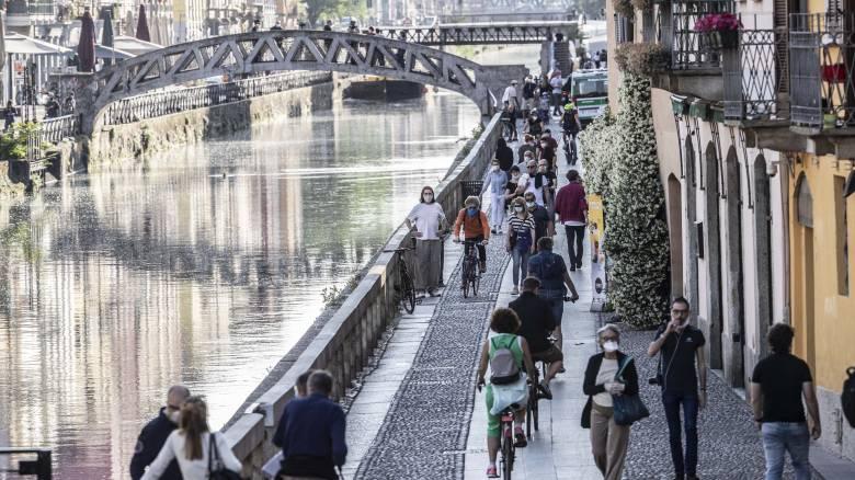 Κορωνοϊός - Ιταλία: Πιθανή επαναφορά του lockdown στο Μιλάνο λόγω συνωστισμού