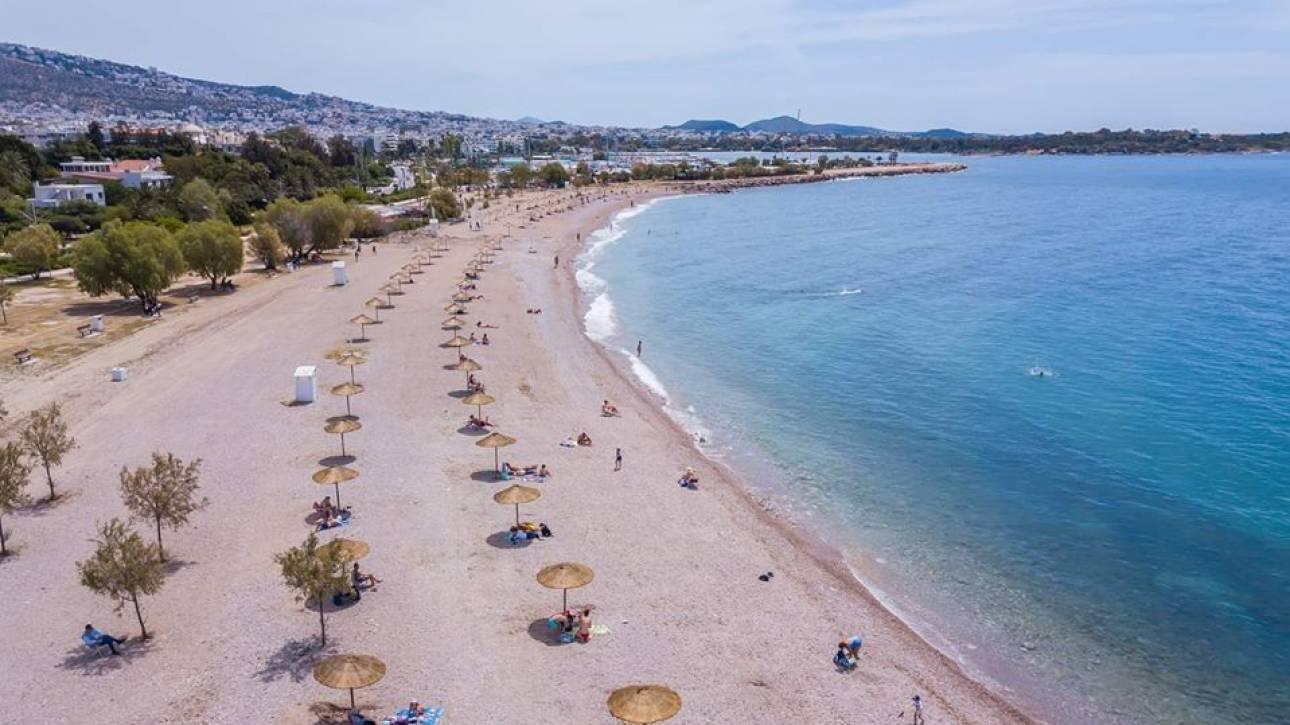 Έτοιμες να υποδεχθούν λουόμενους οι παραλίες της Γλυφάδας - Η ανάρτηση του δημάρχου