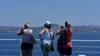Κορωνοϊός - Θεοχάρης: Οι εννέα κανόνες για τουρίστες, πτήσεις, ξενοδοχεία