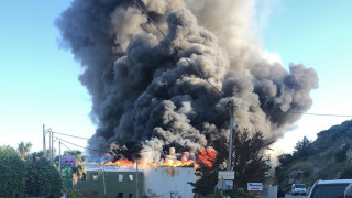 Μεγάλη φωτιά σε εργοστάσιο τυποποίησης ελαιολάδου στο Ηράκλειο