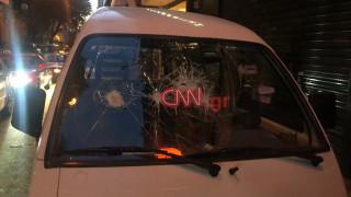 Επεισόδια στην Κυψέλη: Ομάδα νεαρών έσπασε βιτρίνες, έριξε μολότοφ κατά αστυνομικών