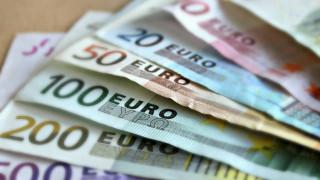 Κορωνοϊός: Μειώνεται η προκαταβολή φόρου κατά 50%