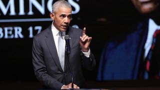 Κορωνοϊός - Ομπάμα: «Χαοτική καταστροφή» η διαχείριση της πανδημίας από τον Τραμπ