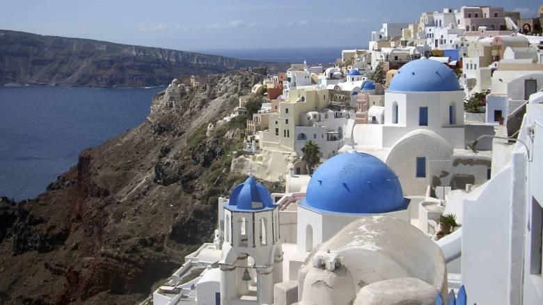 Διεθνή ΜΜΕ: Μετά την επιτυχημένη αντιμετώπιση του κορωνοϊού, η Ελλάδα θέλει πίσω τους τουρίστες της