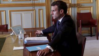 Κορωνοϊός - Μακρόν: Δεν ισχύει για τους Γάλλους ταξιδιώτες η καραντίνα της Βρετανίας