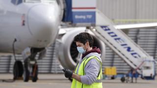 Κορωνοϊός: Αναπόφευκτες οι μαζικές απολύσεις στις αεροπορικές εταιρείες