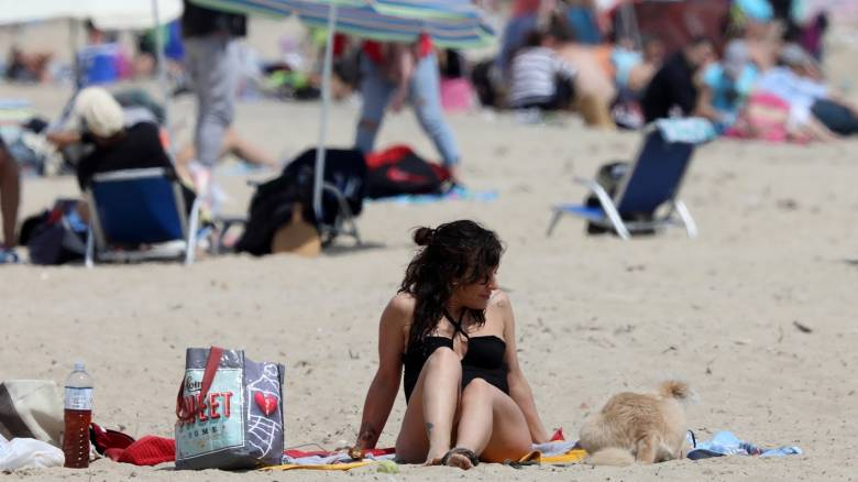 Καιρός: «Θερμή εισβολή» στη χώρα - Πού θα ξεπεράσει τους 30 βαθμούς ο υδράργυρος