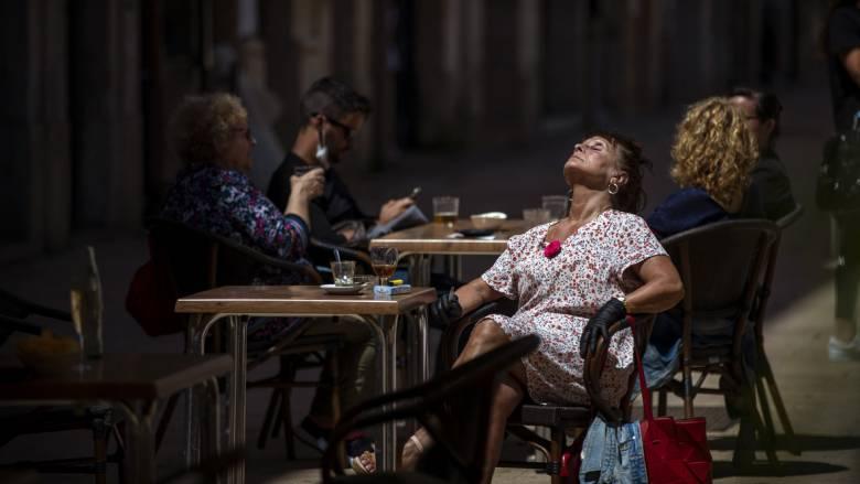 Κορωνοϊός - Ισπανία: Καραντίνα δύο εβδομάδων για όλους τους ταξιδιώτες από το εξωτερικό