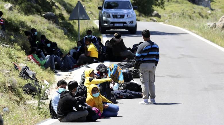 Κορωνοϊός: Δύο κρούσματα σε μετανάστες που έφτασαν στη Μυτιλήνη