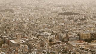 Καιρός: Υποχωρεί η ζέστη σήμερα αλλά παραμένει η αφρικανική σκόνη