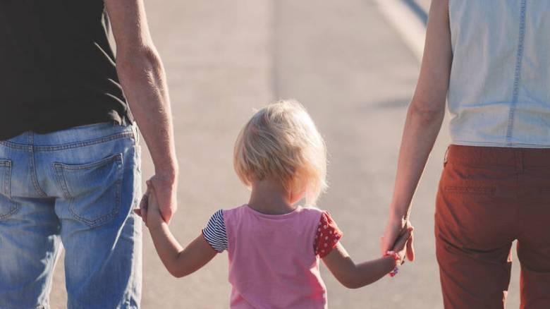 Ξεκινά κύκλος σεμιναρίων σε υποψήφιους ανάδοχους και θετούς γονείς