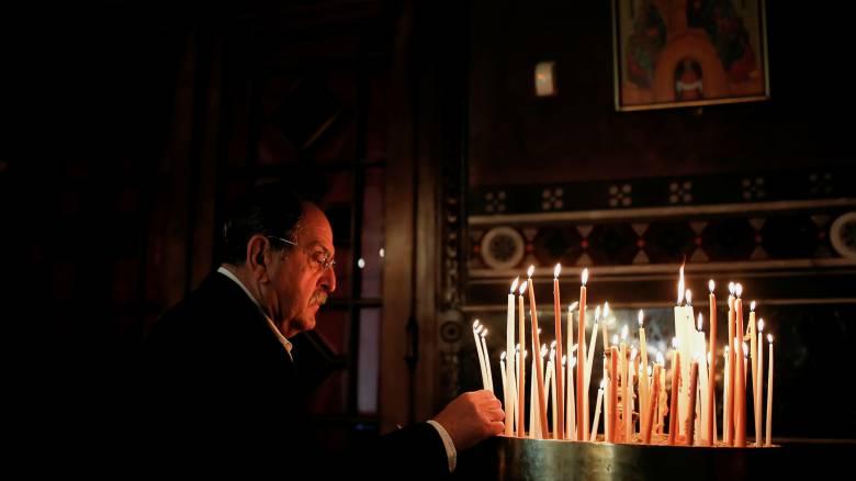 Κορωνοϊός: Έως 50 πιστοί μέσα σε κάθε εκκλησία από την Κυριακή