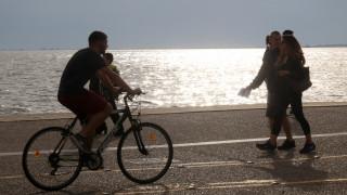 Κορωνοϊός - Θεσσαλονίκη: Μαζεύτηκαν 400 σακούλες σκουπιδιών στη Νέα Παραλία