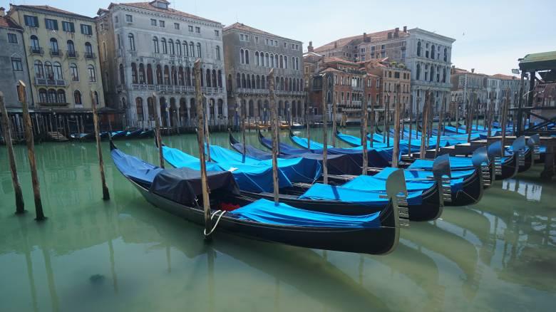 Κορωνοϊός - Ιταλία: Ηλεκτρονικό βραχιολάκι υπόσχεται τήρηση της κοινωνικής απόστασης
