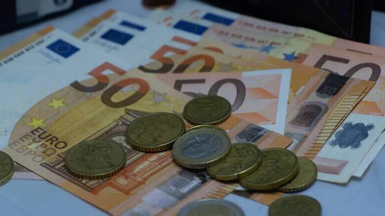 Σε νέες κατηγορίες εργαζομένων θα χορηγηθεί η ενίσχυση των 800 ευρώ - Ποιοι θα την λάβουν