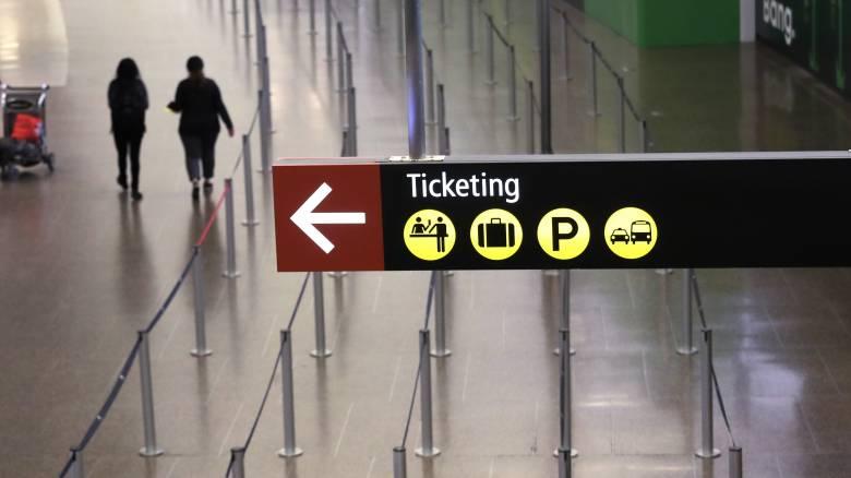Politico: Γιατί δεν πρέπει να κλείσετε ακόμη διακοπές – Τα «θολά σημεία» στον οδηγό της Κομισιόν