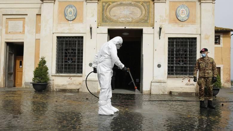 Κορωνοϊός: Αύξηση κρουσμάτων και νεκρών στην Ιταλία
