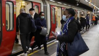 Λονδίνο: Επιστρέφουν οι επιβάτες στο μετρό και τα ΜΜΜ παρά το φόβο του κορωνοϊού