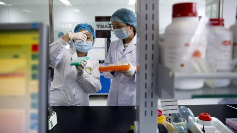 Κορωνοϊός: Θετικά τα νέα για την ιντερφερόνη - Μέτρια τα αποτελέσματα της υδροξυχλωροκίνης