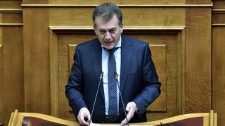 Βρούτσης: Δεν θα πληρώνουν εισφορές όσοι έχουν αγροτικό εισόδημα έως 10.000 ευρώ