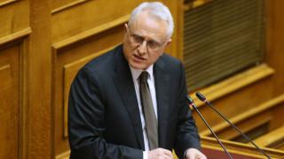 ΣΥΡΙΖΑ κατά κυβέρνησης: Μετατρέπετε τη χώρα σε κράτος ορμπανικού τύπου